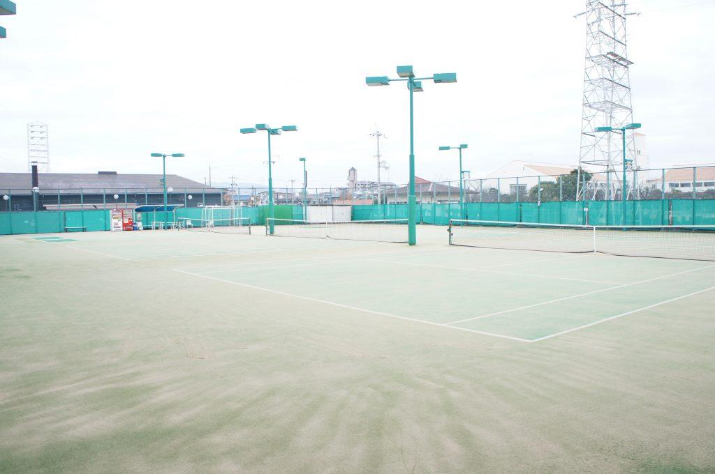 グンゼスポーツつかしん 屋外テニスコート